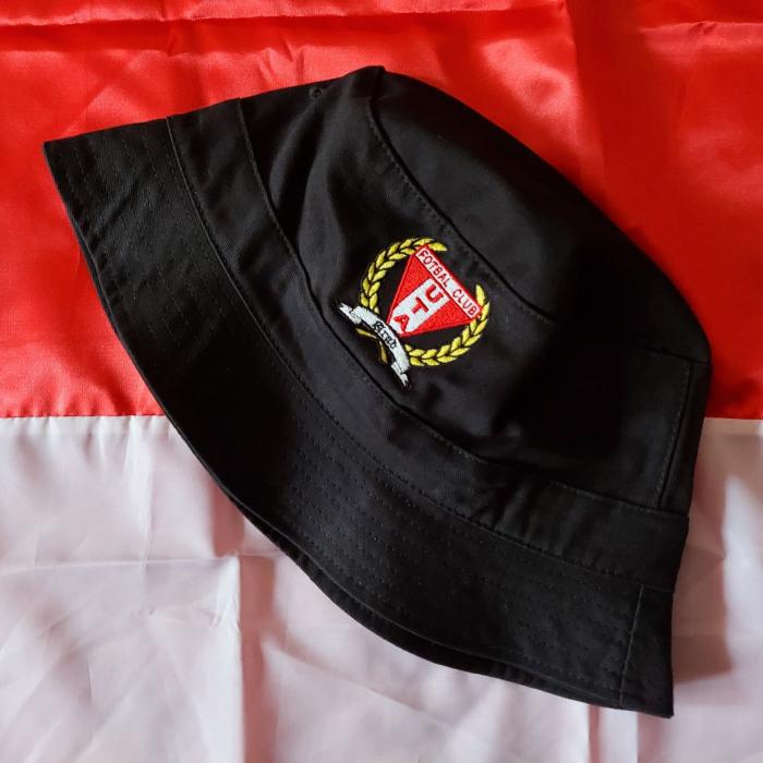 Pălărie neagră brodată 1