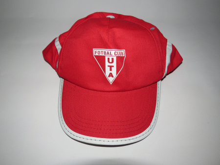 Șapcă roșie UTA Arad1