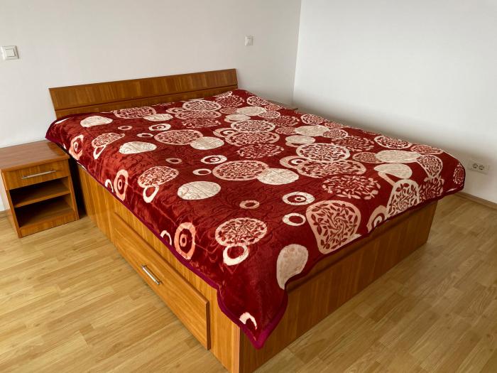 Patura pufoasa, Groasa, (PGG 4) Visiniu, 180 x 230 cm, pentru paturi de 2 persoane, Good Life [0]