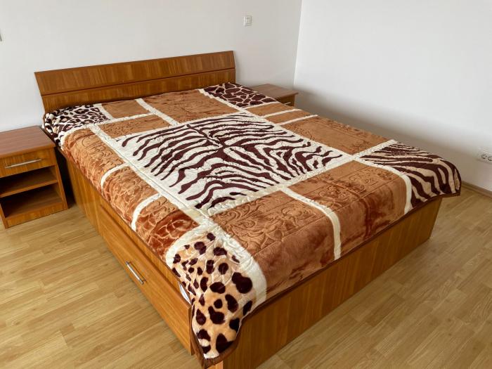 Patura pufoasa, Groasa, (PGG 5) Visiniu, 180 x 230 cm, pentru paturi de 2 persoane, Good Life [0]