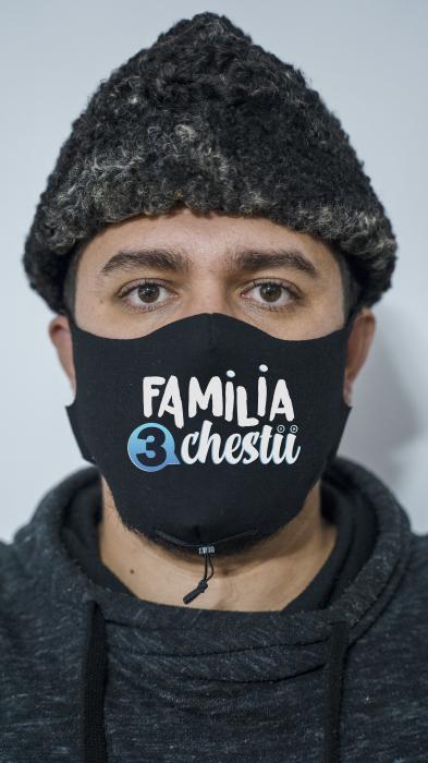 Masca Familia 3 Chestii 0