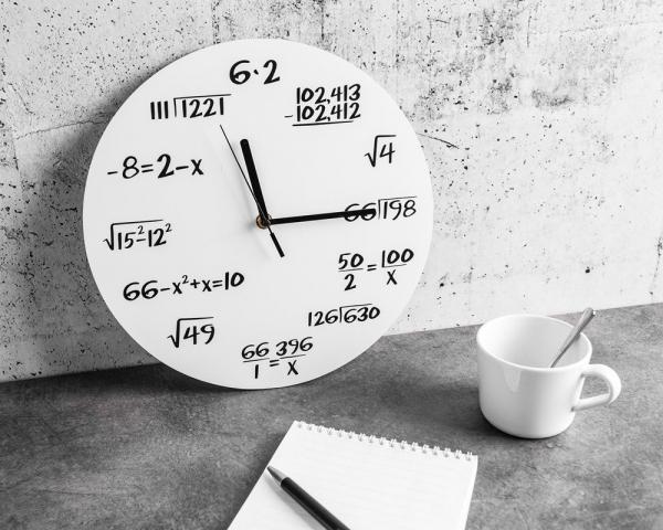 Ceas Matematica Alb 0