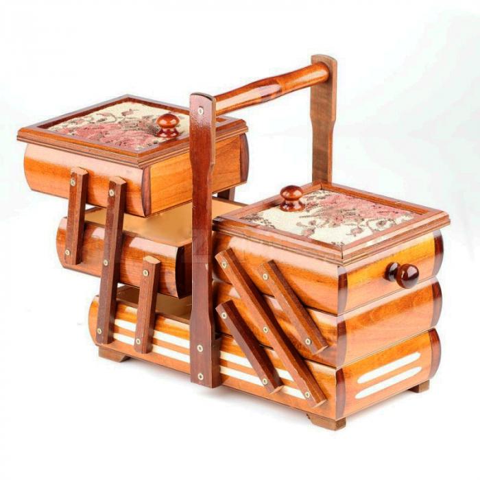 Cutie de bijuterii din lemn 0