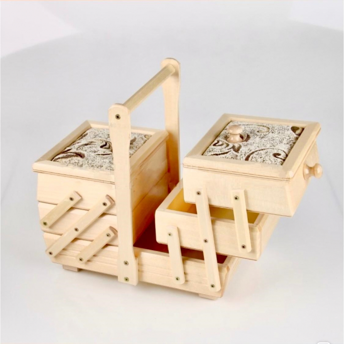 Cutie de bijuterii din lemn