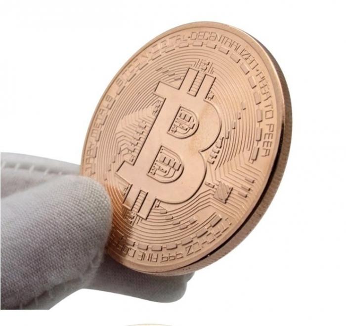 Moneda Bitcoin BTC in carcasa din plastic 4