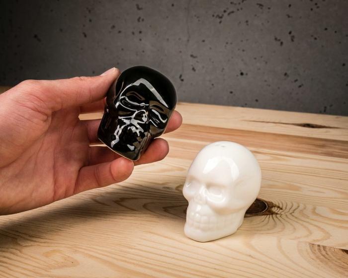 Set recipiente de sare si piper Craniu 1