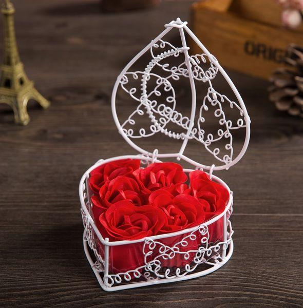 Trandafiri de săpun în cos de metal 0