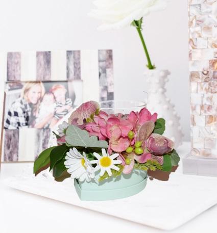 Cutie mica cu flori 2