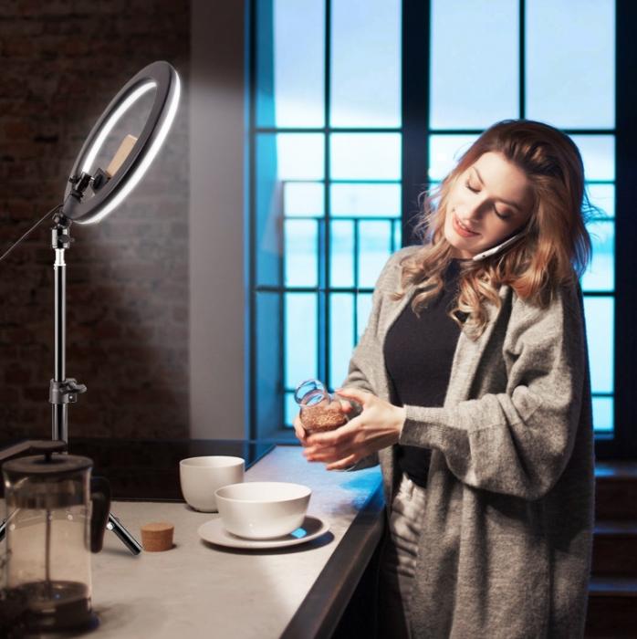 Lampa circulara portabila, cu putere de 30W pentru foto, make-up, cosmetica 0
