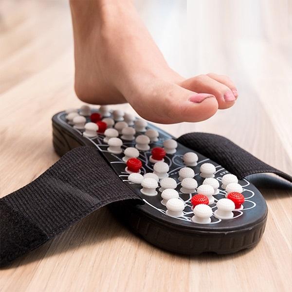 Papuci cu acupunctura 2
