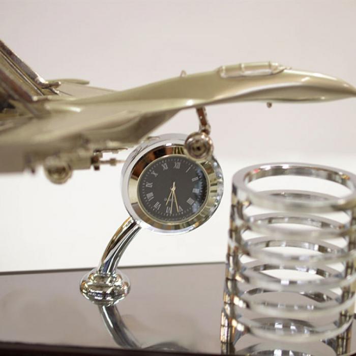 Suport pentru instrumente de scris cu ceas analogic 1