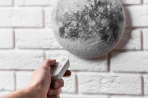Lampa de perete cu fazele lunii4
