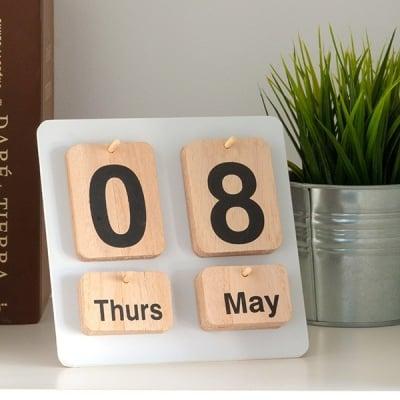 Calendar din lemn Nature