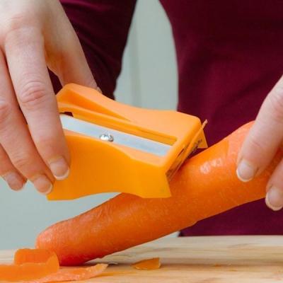 Curatator si tocator de legume in forma de ascutitoare1