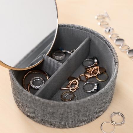 Cutie bijuterii cu organizator şi oglinda1