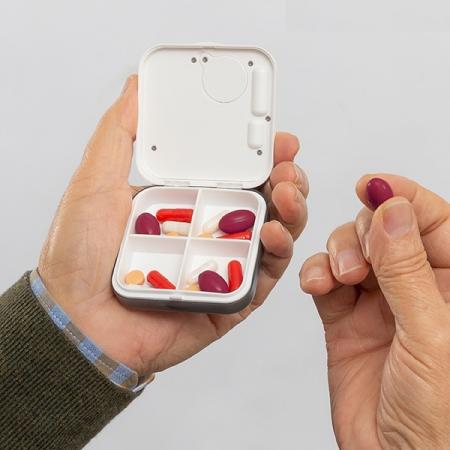Cutie electronică inteligentă pentru pastile Pilly3