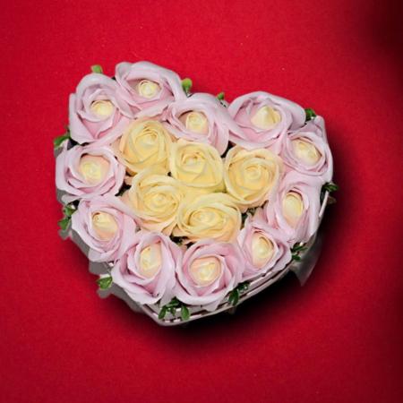 Cutie Inima cu Trandafiri din Sapun0