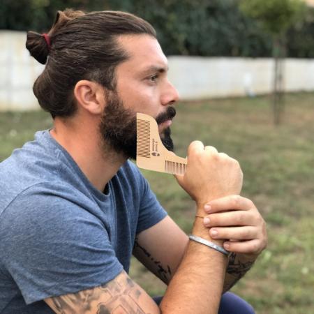 Set de pieptene din lemn pentru barbă și mustață1