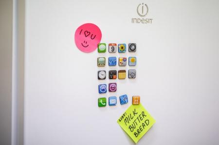 Set 18 magneti frigider Iphone Design1