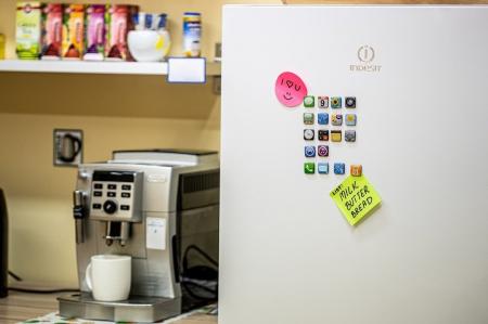 Set 18 magneti frigider Iphone Design0