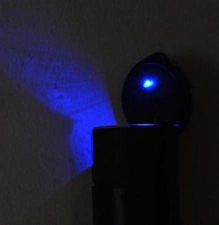 Scrumiera universala pentru masina cu capac si lumina led3