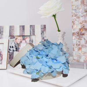 Cutie mica cu flori0