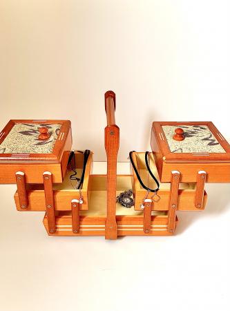 Cutie de bijuterii din lemn1