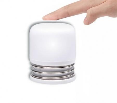 Lumina LED portabila, aprindere prin apasare0