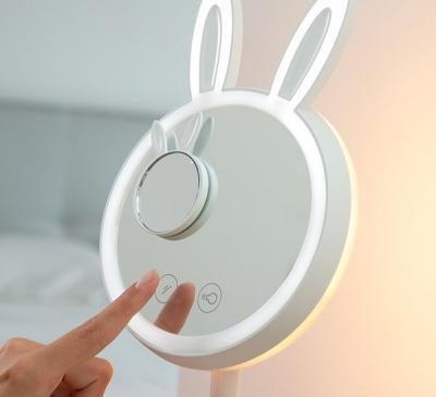 Oglinda-lampă Led pentru machiaj 2 în 1 Bany1