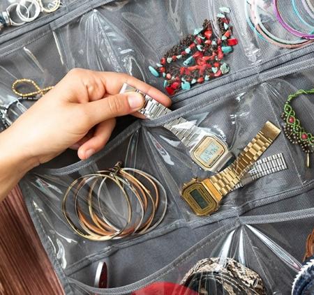Organizator suspendat cu raft pentru bijuterii și accesorii Bijette2