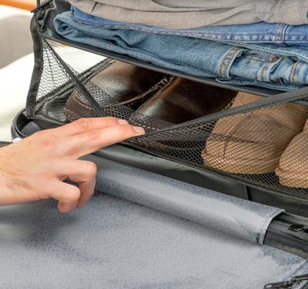 Raft pliant tip organizator portabil pentru bagaj. Sleekbag2