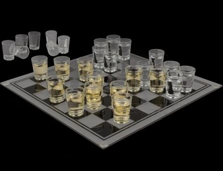 Sah cu pahare, joc de baut pentru cei strategi1