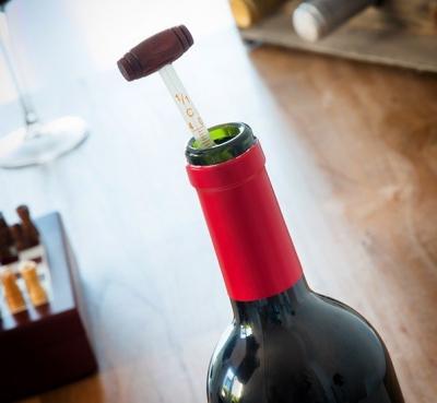 Set accesorii pentru vin4