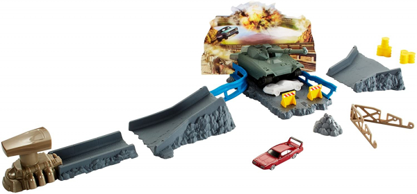 Set de joaca Fast and Furious Hot Wheels Atacul tancului 0