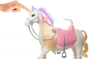 Papusa Barbie Princess Adventure si calul ei magic4