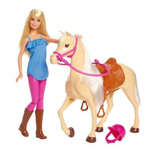 Set Papusa Barbie cu calut Mattel2