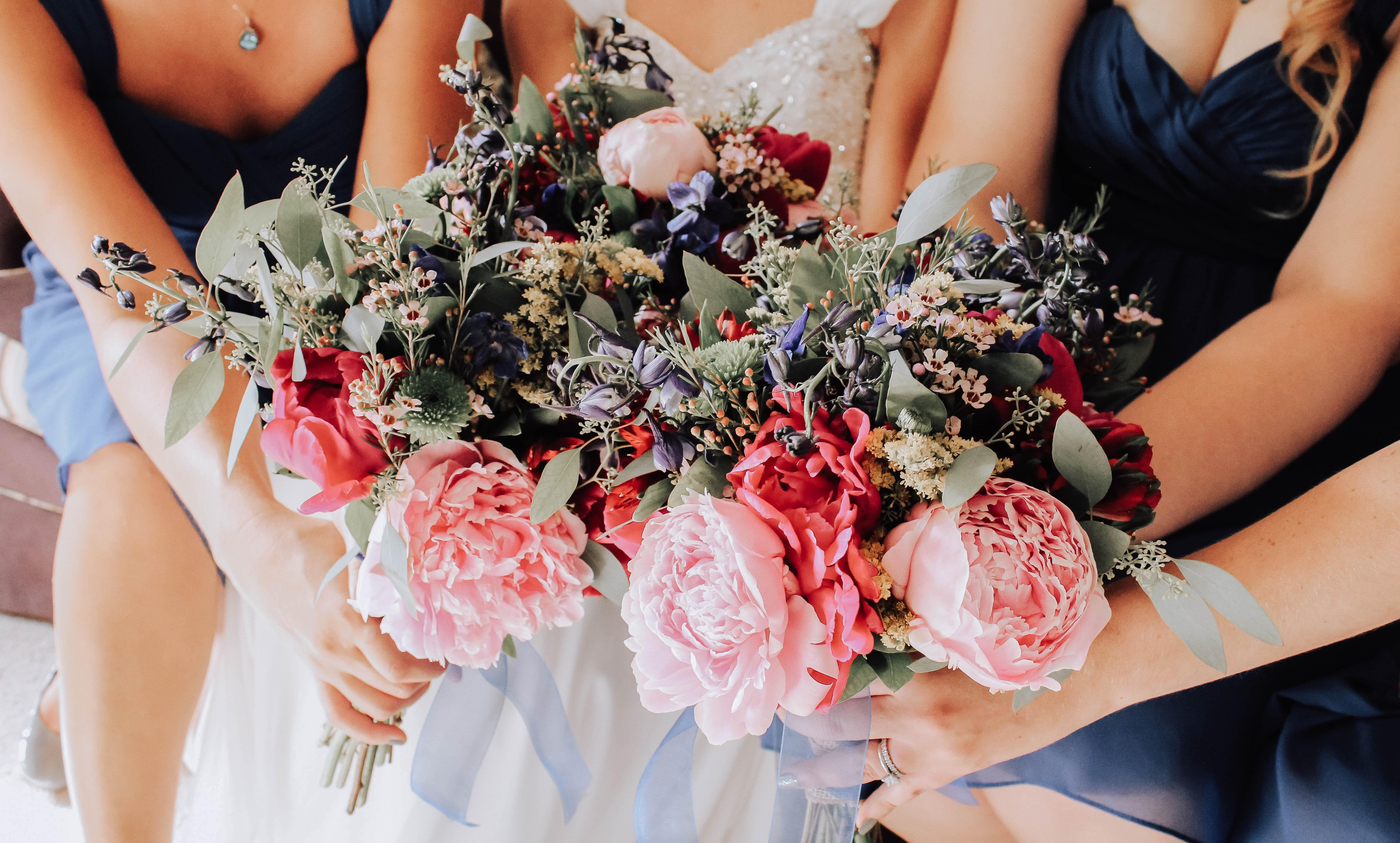 15 idei de aranjamente florale pentru nuntă