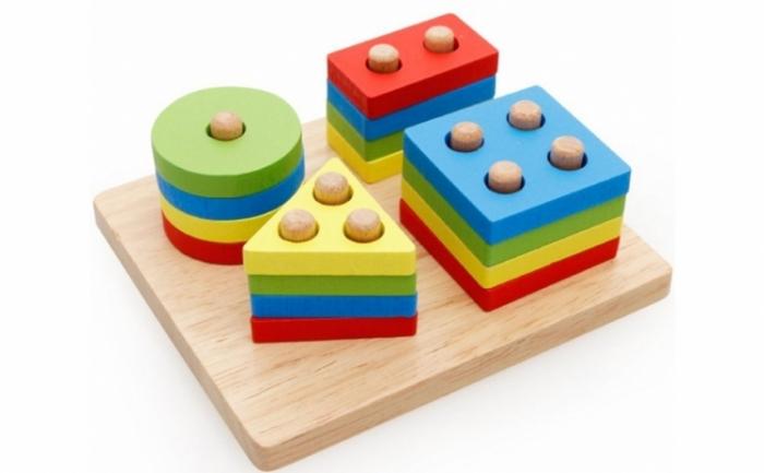 Joc de tip Montessori - Sortator cu 4 forme geometrice [0]