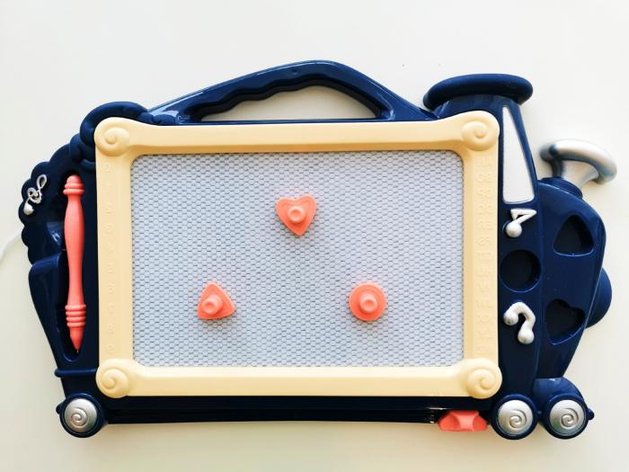 Tăbliță de scris magnetică formă trenuleț albastru închis [1]