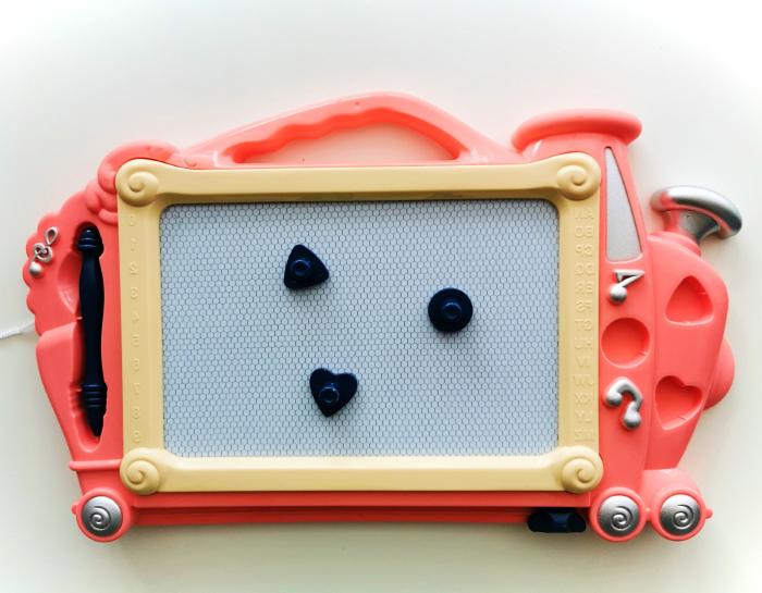 Tăbliță de scris magnetică formă trenuleț roz [1]