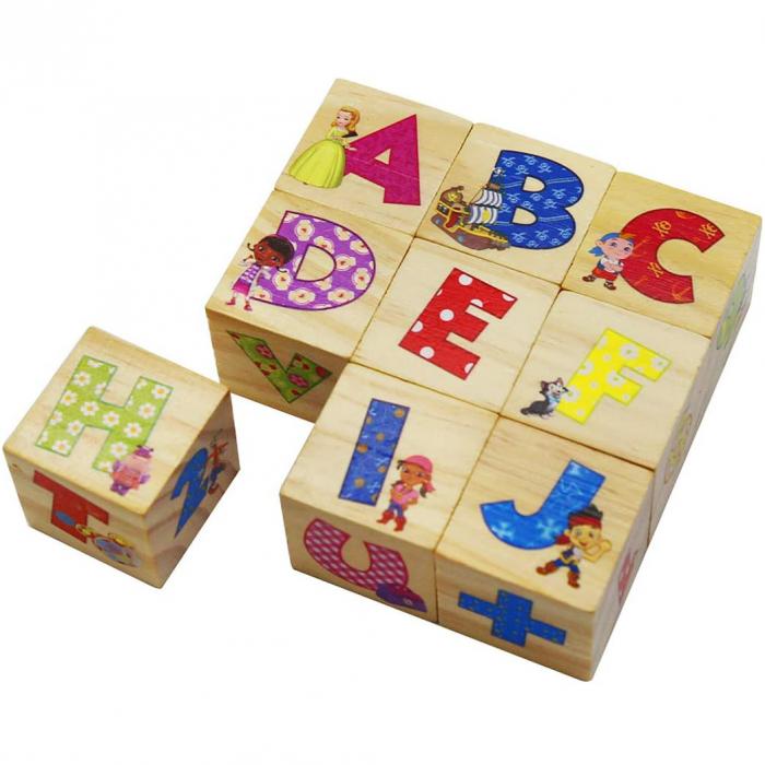 Set 9 cuburi din lemn cu litere, cifre, operaţii matematice şi personaje Disney [0]