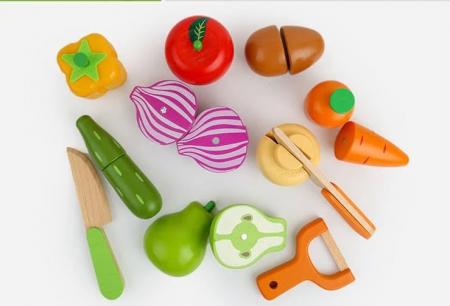 Set tăviţă fructe şi legume din lemn tip puzzle cu magnet, cu unelte pentru tăiat [1]