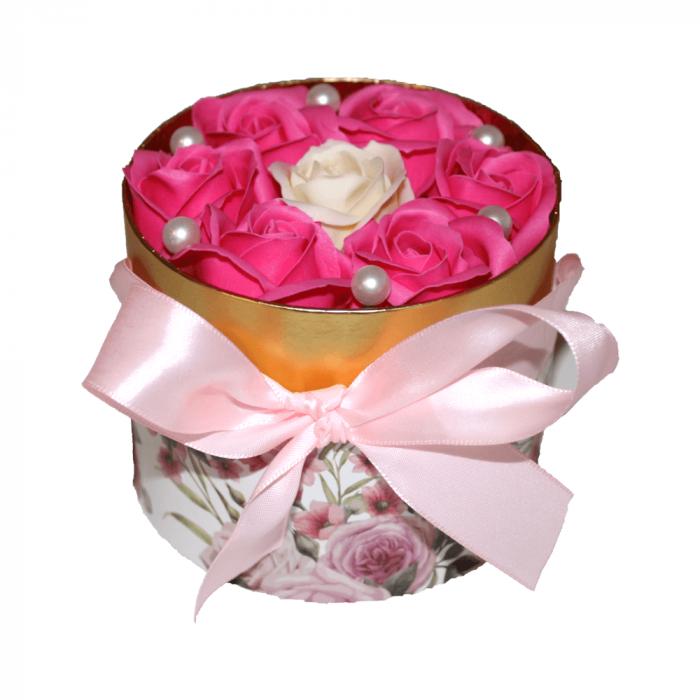 Aranjament trandafiri de sapun roz si ivoire in cutie cilindrica 1