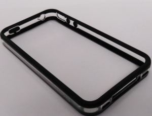 Husa Carcasa Apple iPhone 4 Policarbonat Transparent si Negru