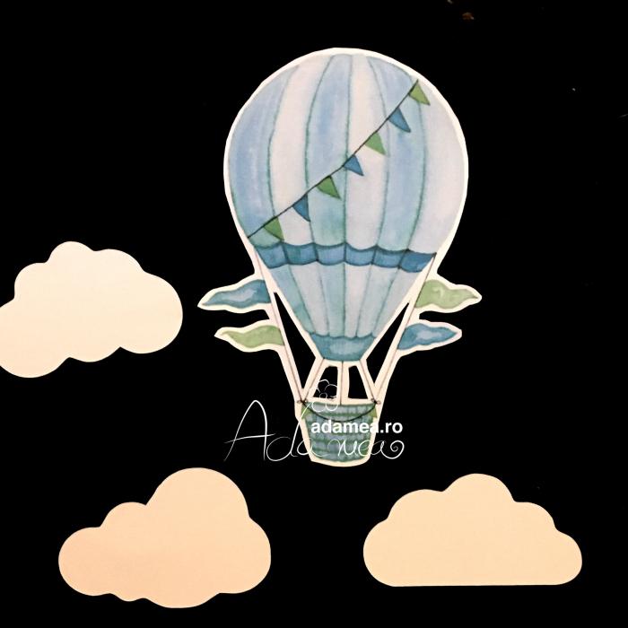 Suita cu balon cu aer cald si nori 0