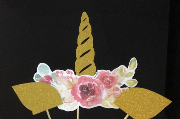 Topper - Corn unicorn cu flori [1]
