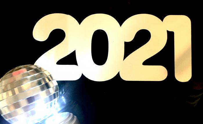Sablon cu 2021 pentru tortul de Revelion 0