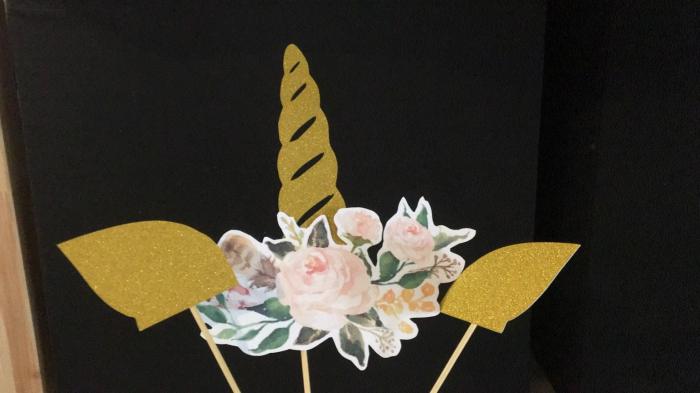 Corn unicorn cu flori [0]