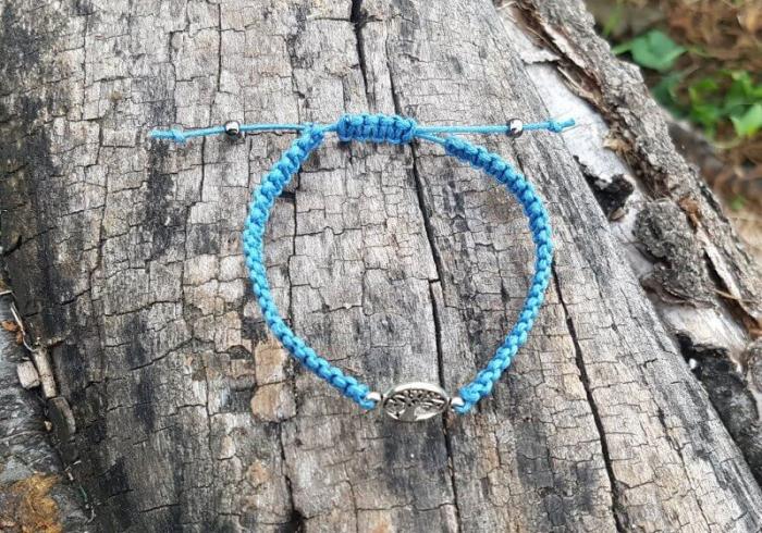 Bratara handmade cu charm copacul vietii 1