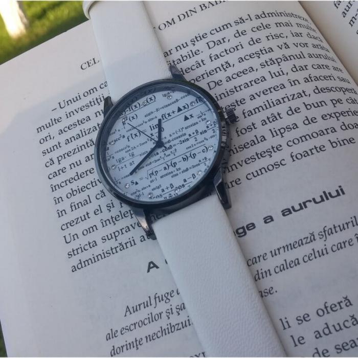 Ceas de mana casual cu formule matematice 2